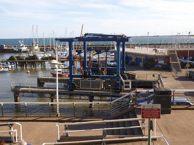 Bridlington harbour boatlift