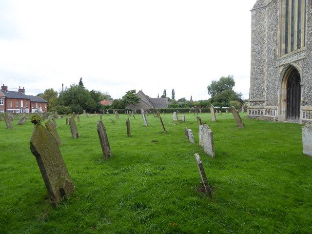 SS Peter & Paul, Carbrooke: churchyard (c)