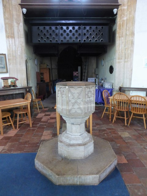 SS Peter & Paul, Carbrooke: font