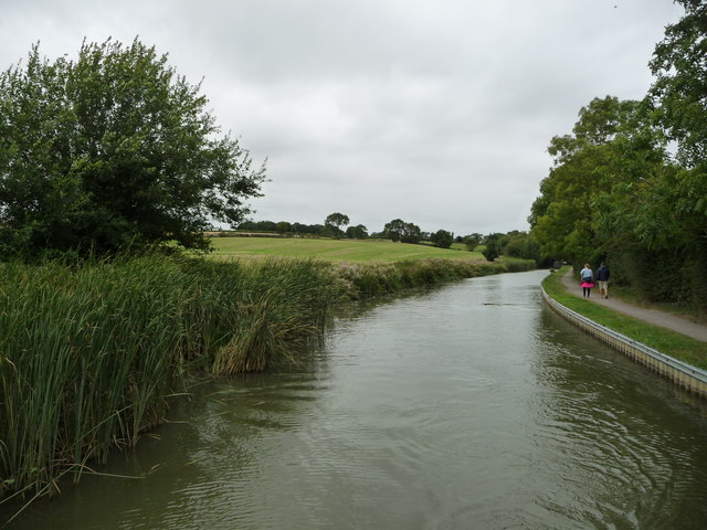 Looking west on the Market Harborough Arm, near Foxton