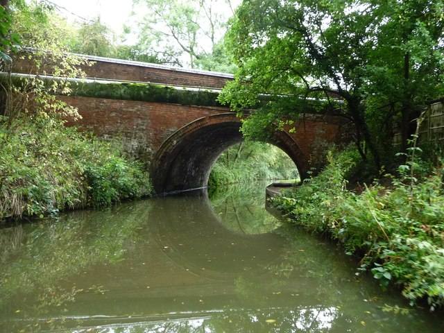 Gallows Hill Bridge [No 8] and a pipe bridge