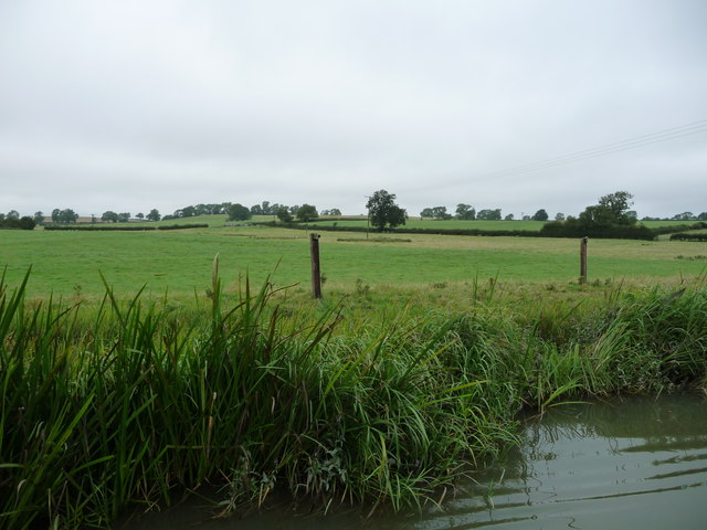 Farmland south-east of Debdale Grange