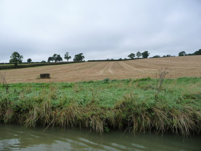 Harvested field, south of Debdale Wharf