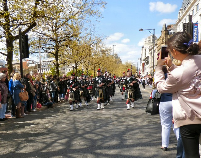Piping down Piccadilly