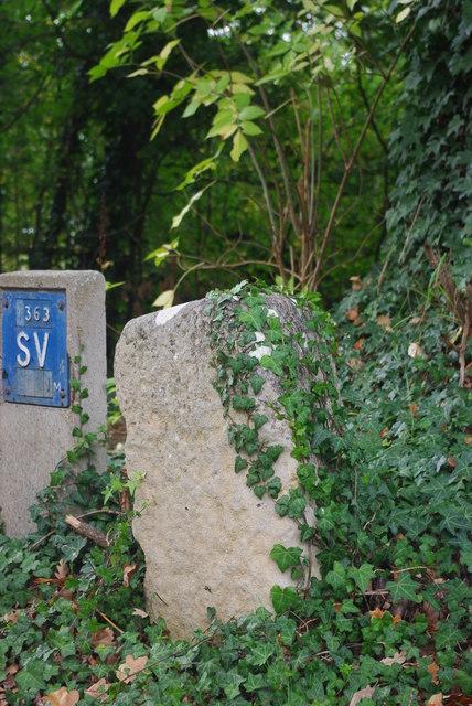 Milestone by Dry Drayton Road, Madingley