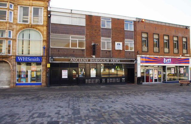 Ancient Borough Arms (1), 41 Market Place, Pontefract