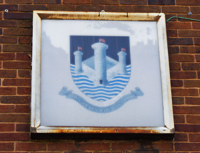 Ancient Borough Arms (3) - Coat of Arms, 41 Market Place, Pontefract
