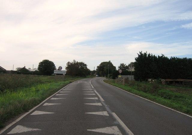 Entrance to Pondersbridge