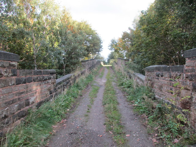 Crossing the railways, Blackergreen Lane