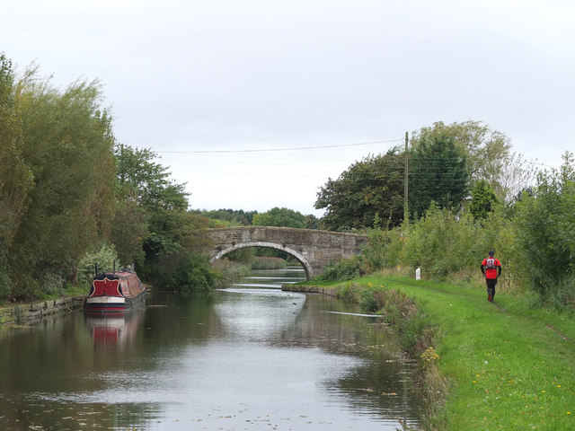 Leeds - Liverpool Canal at Martin Lane Bridge