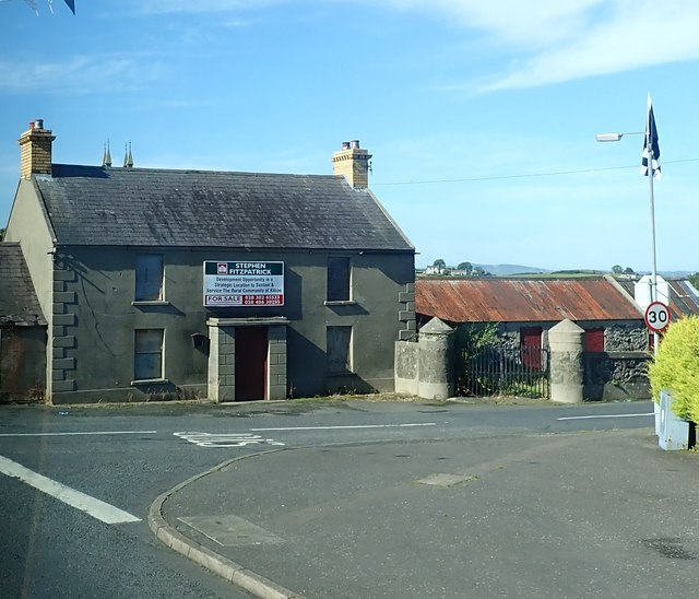 Former farmhouse for sale in the centre of Kilcoo