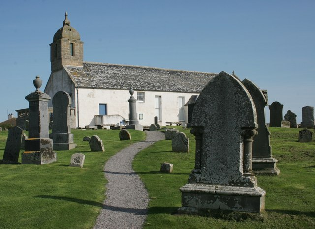 Tarbat Discovery Centre and graveyard