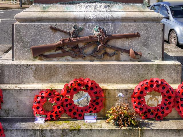 Crossed Rifles, Enniskillen War Memorial