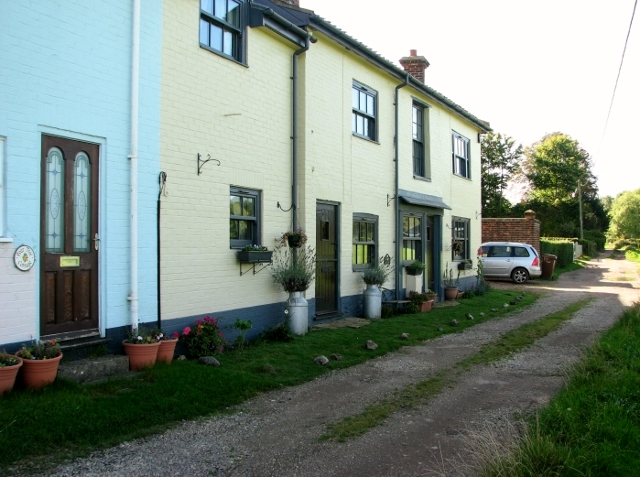 A row of cottages at High Common