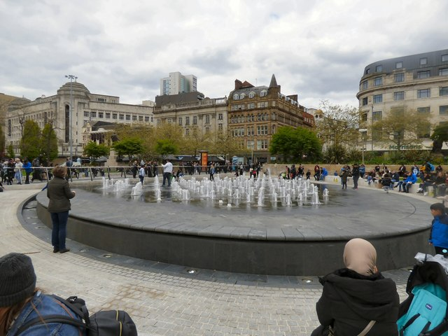 The fountains are playing again