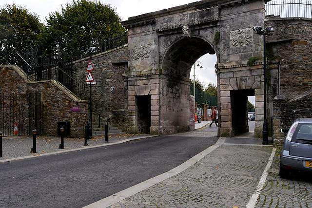 Bishop's Gate, Derry City Walls