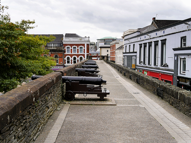 Derry City Walls, Cannons Overlooking the Ship Quay