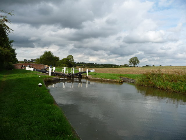 The Grand Union Canal above Bumblebee Lock and Tythorn Bridge