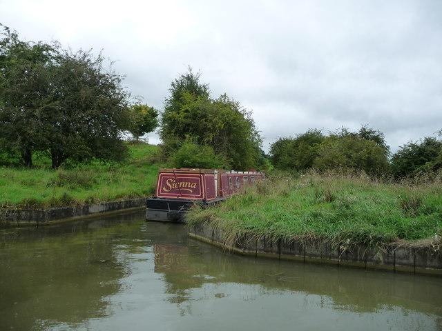 Narrowboat moored in Saddington feeder channel