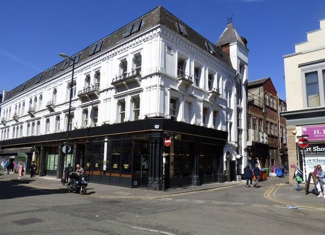 Corner of Stevenson Square and Spear Street