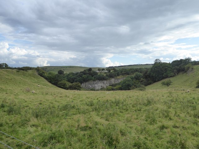 Looking towards the quarries of Dale Side