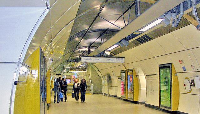 London Bridge station, London Underground, new subterranean passage 2009