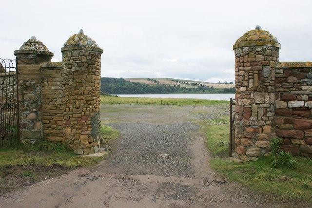 Gateposts, Dunskeath House