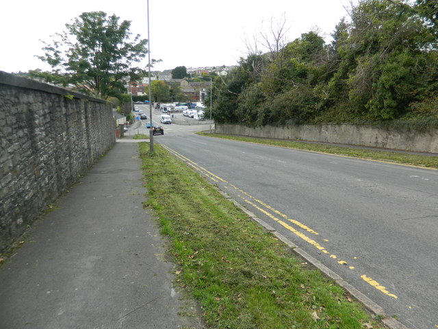 Glanmor Rd, approaching the junction with Vivian Rd, Swansea