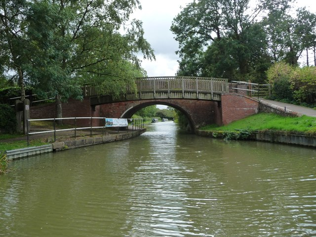 Gumley Road Bridge [no 60], from the north