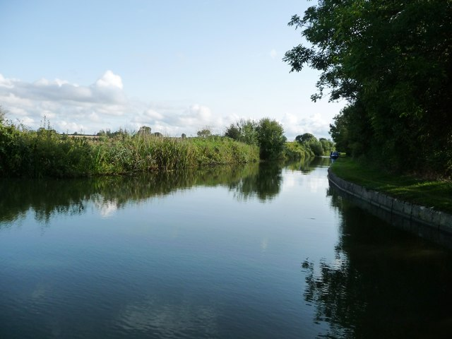 Grand Union Canal, south from Welford Junction