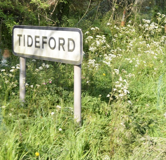 Entering Tideford