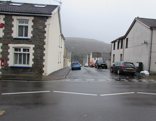 South side of Alaw Road, Trealaw