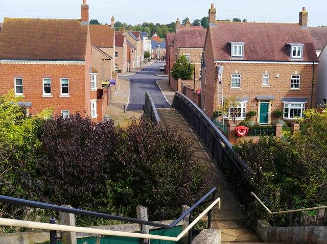 Footbridge over the Wilts & Berks Canal, East Wichel, Wichelstowe, Swindon
