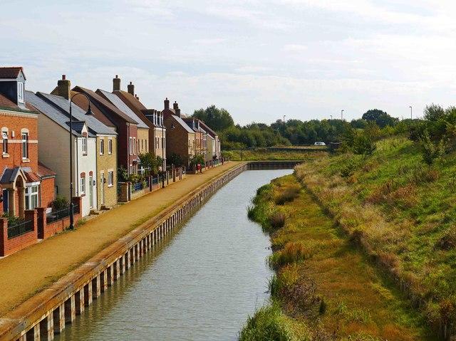 Wilts & Berks Canal adjacent to Mattocks Path & Yelland Walk, East Wichel, Wichelstowe, Swindon