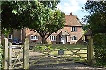 SU8596 : Bailiff's Cottage by N Chadwick