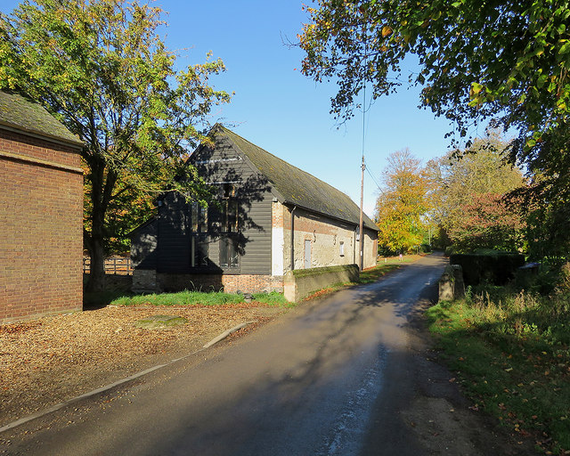 Newnham: bridge and barn