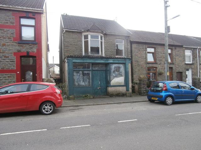 Abandoned shop, Pretoria Rd, Tonyrefail