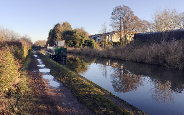 East on the Grand Union Canal near The Cape, Warwick