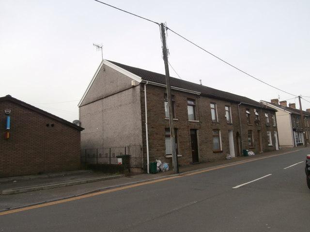 Houses in Mill St, Tonyrefail