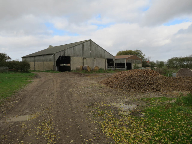 Path through Priory Farm
