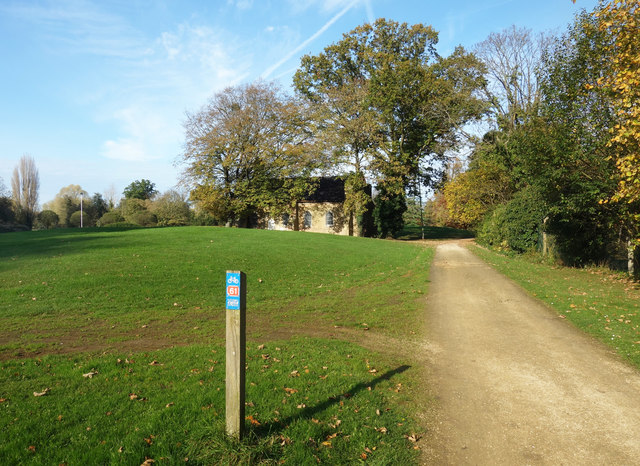 Cycle Route 61 in Ditton Park
