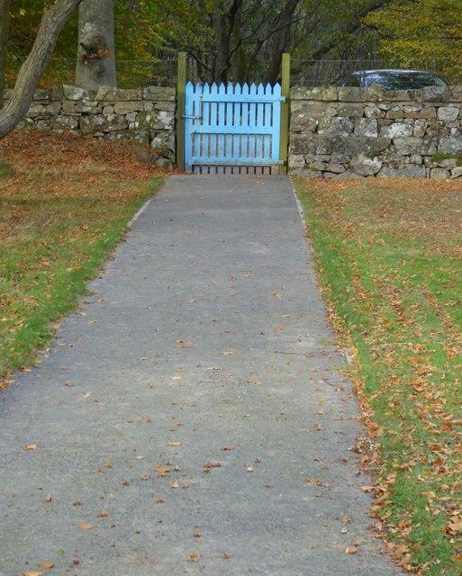 Midmar Kirkyard path