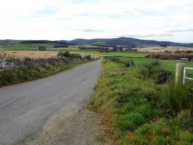 Road downhill towards Bogindhu junction