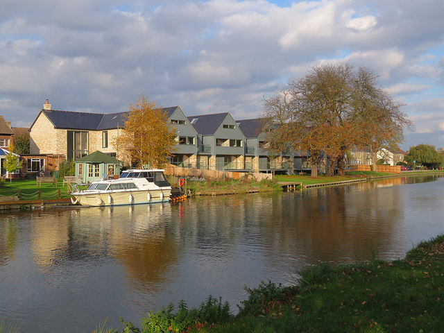 Chesterton: new houses on the site of The Penny Ferry