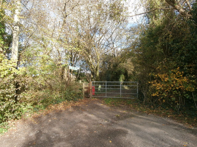 Gate to footpath, Groesfaen