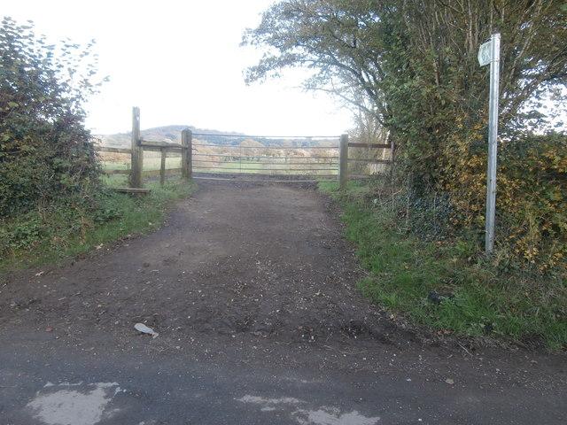 Gate and stile to footpath near Llwynmilwas Farm