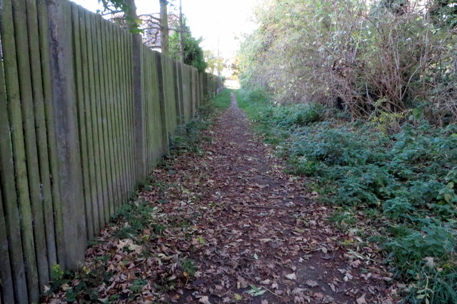 Footpath to Dungee Road