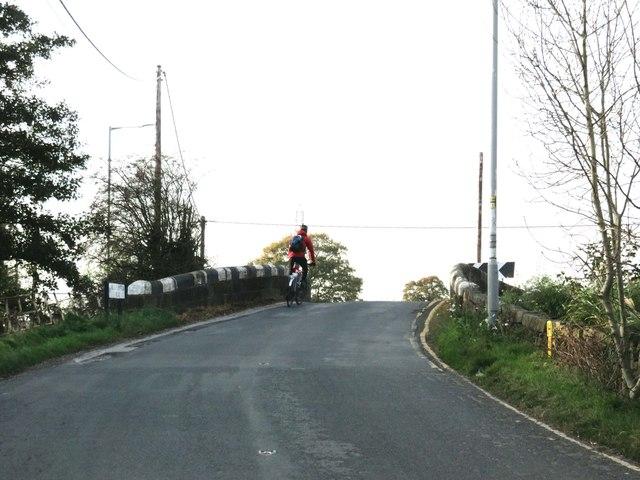 Woodplumpton Road crosses Bell Fold Bridge