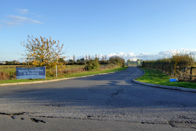 Gated road off Fen Drayton Road