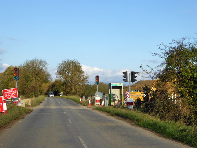 Temporary part-time traffic lights, Hilton Road
